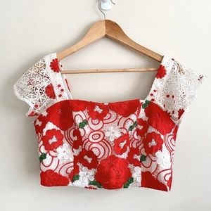 Mossman roses are red crop top white lace size 10